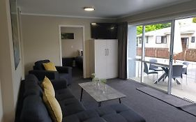 Lakeside Motel And Apartments te Anau