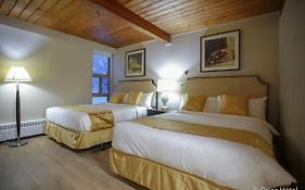Powder Springs Hotel Revelstoke