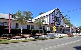 Canungra Hotels