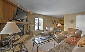 Central Condo With Hot Tub Access - 11 Mi To Keystone!