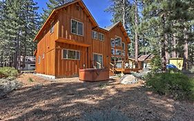 Gorgeous South Lake Tahoe Home With Private Hot Tub!