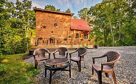 Murphy Log Cabin With Deck & Covered Porch-Near Dtwn