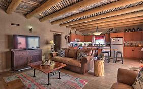 Adobe Home In Taos Area With Mtn View And Courtyard!