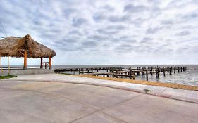 Private Fishing Pier With Dock Space! Waterfront Pool! Amazing Views! Holiday Home Corpus Christi  United States