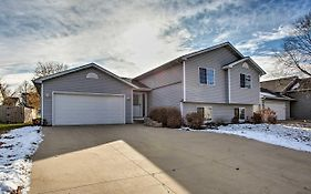 Suburban Gem 5 Miles From Downtown Rochester!