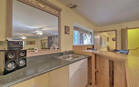 Spacious Cabin, Walk To Big Trees State Park!
