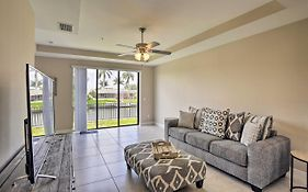 Peaceful Cape Coral Getaway On Canal With Pool Access