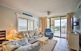 Oceanfront Condo With Pool & Beach Access!
