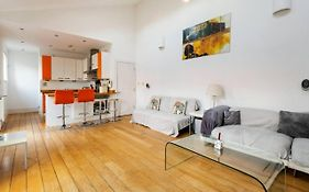Super Central - Gorgeous 2Bed Room Historic House