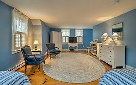 Upscale East Orleans Home -1 Mile To Nauset Beach!