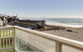 Cayucos Beachfront Condo With Stunning Water Views!