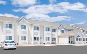Microtel Inn & Suites by Wyndham Colfax Newton