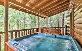 Romantic Pigeon Forge Log Cabin With Hot Tub!