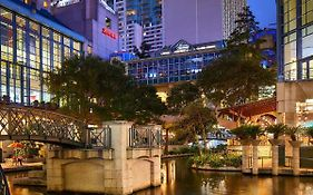Marriott San Antonio Rivercenter 4*