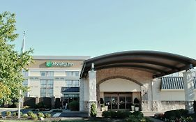 Holiday Inn Express Cincinnati Riverfront