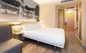 Hotel B&b Madrid Airport