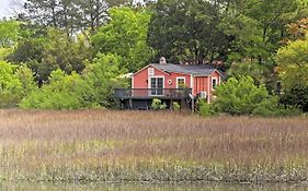 Romantic Old Village Cottage - 6 Mi To Charleston!