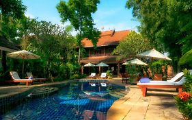 Ban Sabai Village Resort & Spa