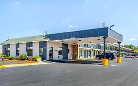 Econo Lodge Shorewood