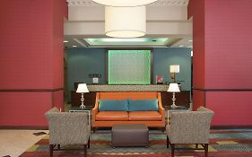 Hampton Inn Indianapolis Downtown Across From Circle Centre Indianapolis In