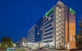 Cleveland Clinic Holiday Inn