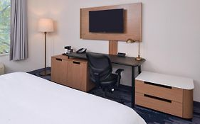 Fairfield Inn And Suites New Stanton Pa 2*