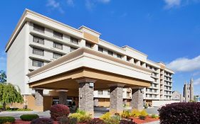 Holiday Inn in Niagara Falls Ny