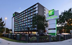 Holiday Inn Somerville Ma