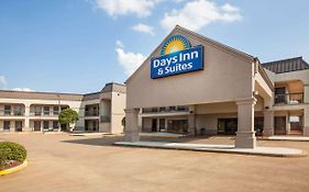 Days Inn & Suites By Wyndham Tyler