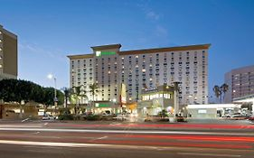 Lax Holiday Inn