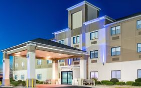 Holiday Inn Express Howe Indiana