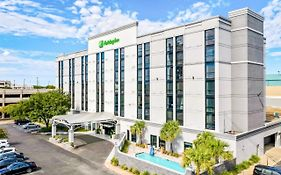 Holiday Inn Downtown Alexandria
