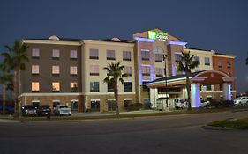 Holiday Inn Express Suites Seguin
