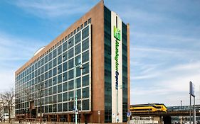 Holiday Inn Express Amsterdam Sloterdijk Station