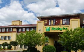 Holiday Inn Pewaukee Milwaukee West