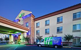 Holiday Inn Clovis California
