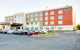 Holiday Inn Express Russellville Ar