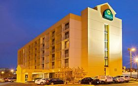 La Quinta Inn And Suites Nashville Airport Opryland