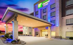 Holiday Inn Express Litchfield Litchfield Il