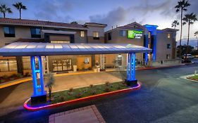 Holiday Inn Express Hotel And Suites Carlsbad Beach