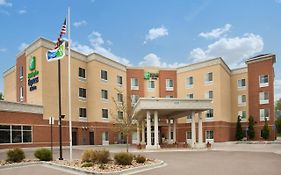 Holiday Inn Express & Suites Denver North Thornton