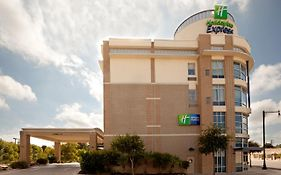 Holiday Inn Express Rivercenter San Antonio