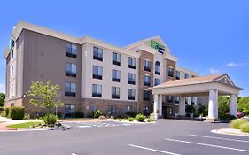 Holiday Inn Express Selma Tx
