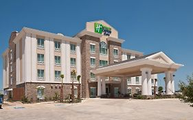 Holiday Inn Express Pearsall Tx