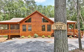Coe-Z Cabin Escape - Beautiful, Spacious Ranch Style Cabin With Three King Bedrooms.