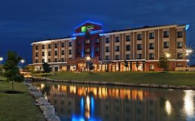 Holiday Inn Express Glenpool