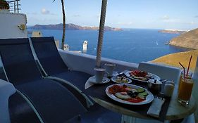 Trieris Villas And Suites Santorini Island
