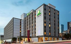Holiday Inn Express Downtown Nashville Tn