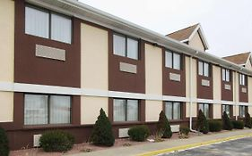 Days Inn And Suites Benton Harbor Mi