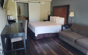Deerfield Inn And Suites Madison Ga